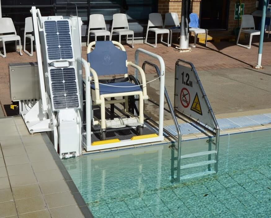 Pool lift powered by solar at Wollongong University pool