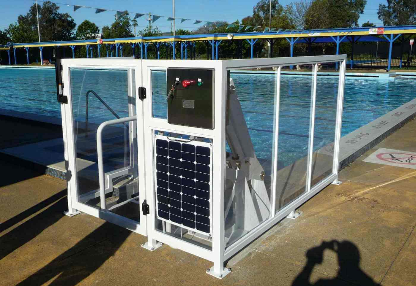 Dapto pool Unanderra has a solar powered lift for easy access