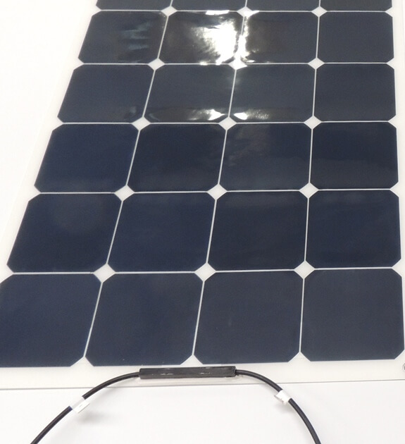 Slim Junction box option on flexible solar panel