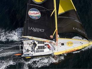 racing yacht with Solbian solar panels