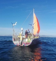 Broken mast ends record breaking sail